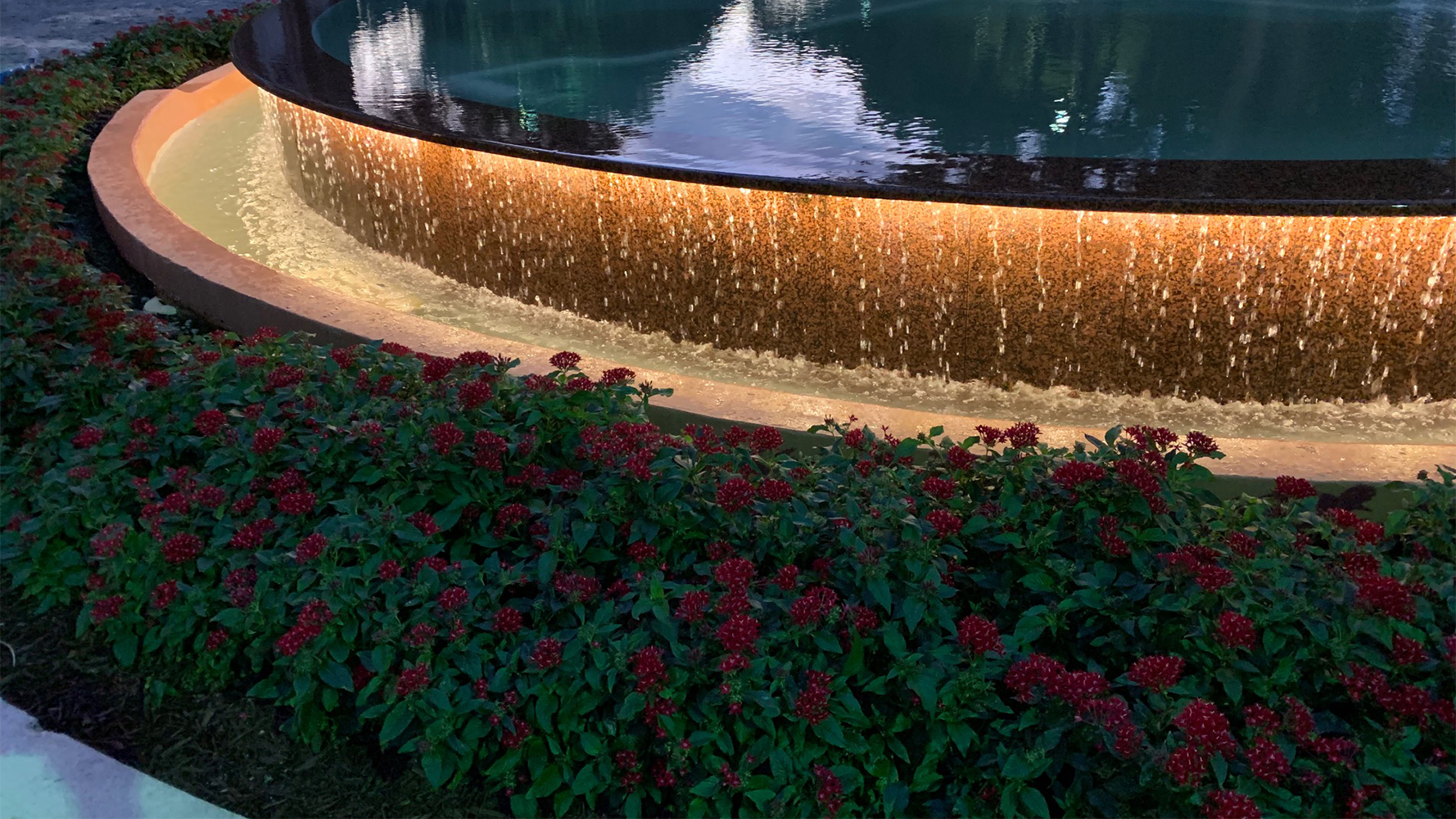 Radiant Fountain with HYDROLUME® SLIM