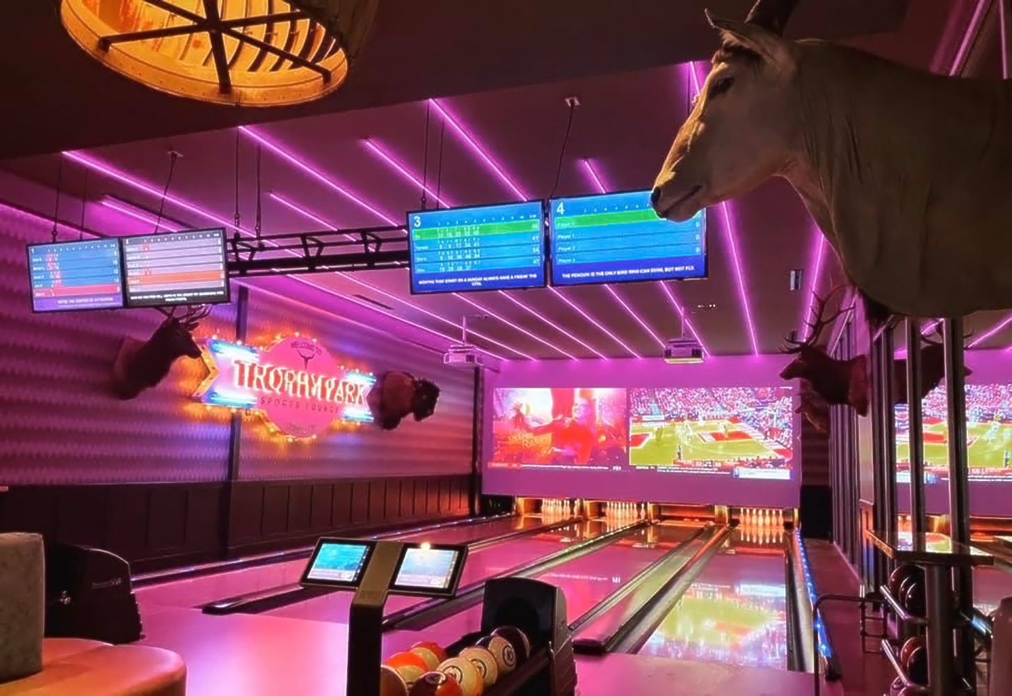 trophy-park_bowling-alley_1000px
