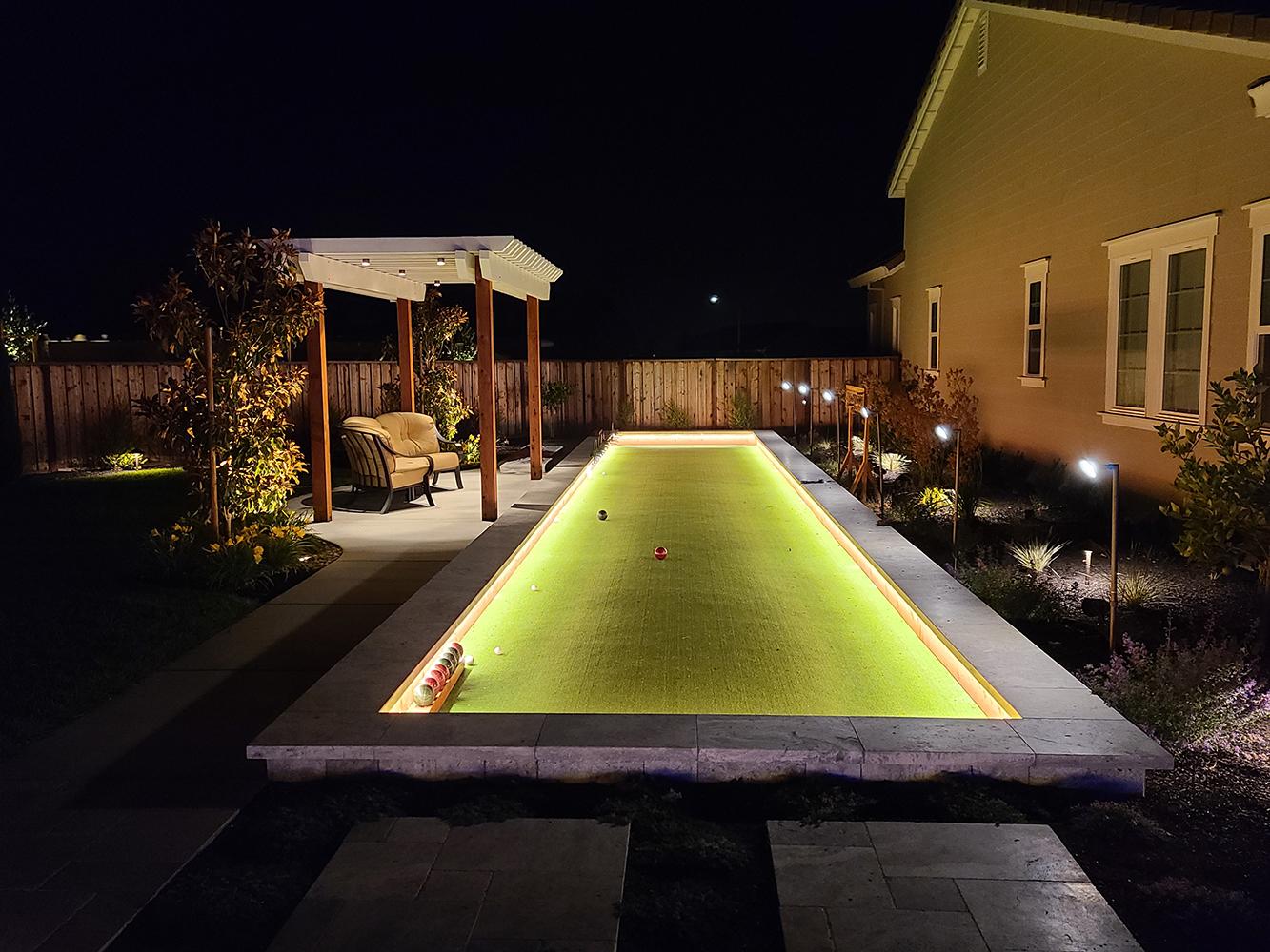 residential-landscape-lighting_1000px_3